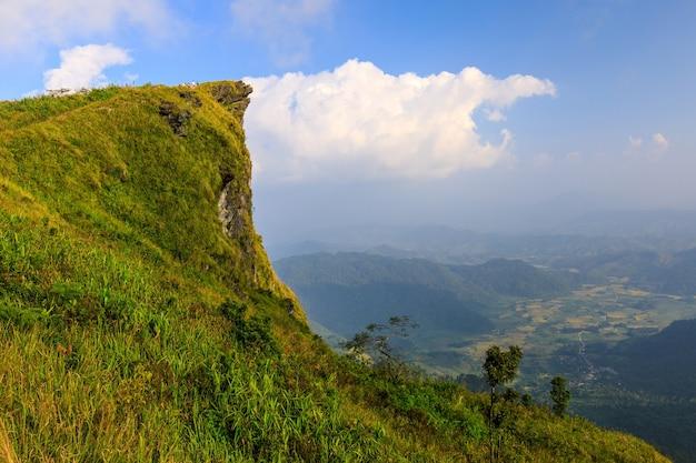 Krajobraz phu-ee-fah, wysokiej góry granica tajlandia i laos.