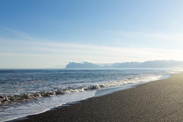 Krajobraz plaży hvalnes lawy, punkt orientacyjny wschodniej islandii