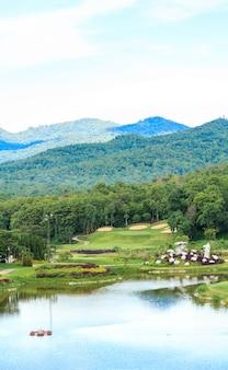 Krajobraz pola golfowego