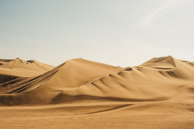 Krajobraz pustyni huacachina. w ica w peru.