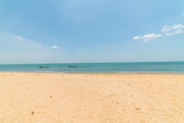 Krajobraz rajskiej tropikalnej plaży