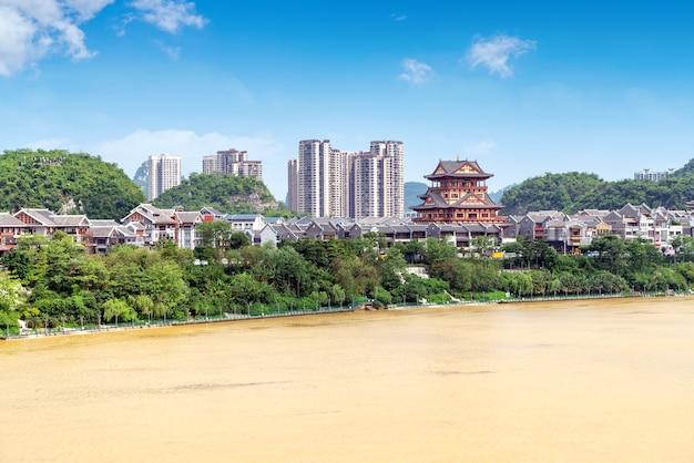Krajobraz rzeki liujiang, liuzhou, guangxi, chiny.