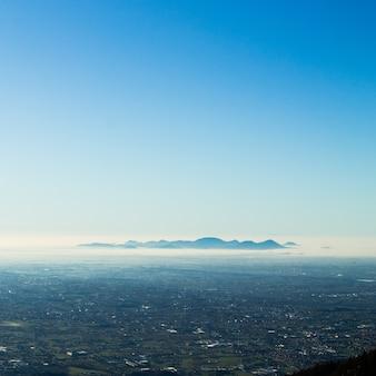 Krajobraz tło sylwetka góry