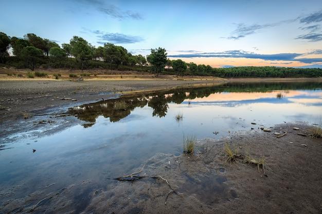 Krajobraz w naturalnym obszarze granadilla extremadura hiszpania