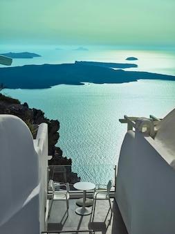 Krajobraz wyspy santorini, fira, cyklady, grecja