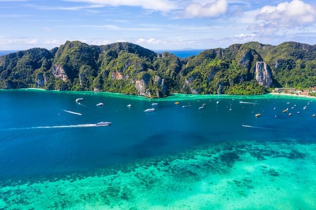 Krajobrazowa antena odgórnego widoku phi phi wyspy kra bi tajlandia hi sezon
