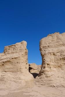 Krajobrazowy widok ruin jiaohe leżącego w prowincji xinjiang w chinach.