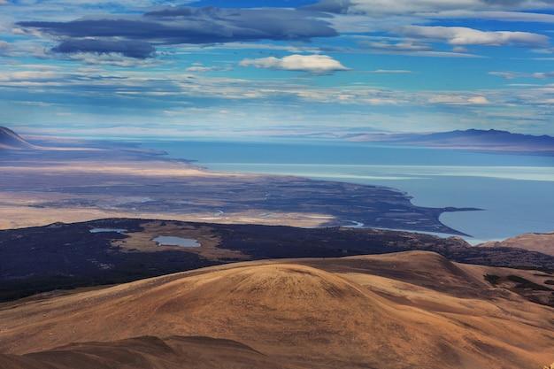 Krajobrazy patagonii w południowej argentynie. piękne naturalne krajobrazy.