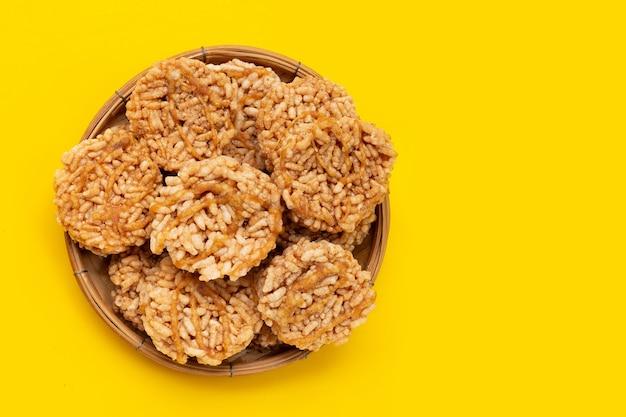 Krakers ryżowy z cukrem kokosowym z palmy