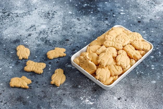 Krakersy w kształcie zwierząt.