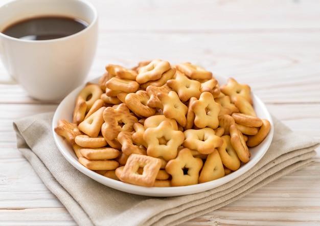 Krakersy z kawą