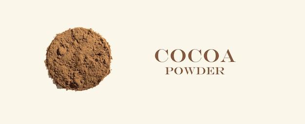Kreatywna kompozycja składników ze zdrowym ekologicznym proszkiem kakaowym na tle kości słoniowej