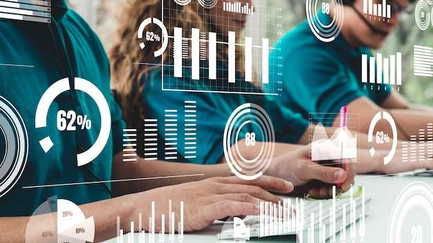 Kreatywna wizualizacja ludzi biznesu w pracy przy biurku komputerowym