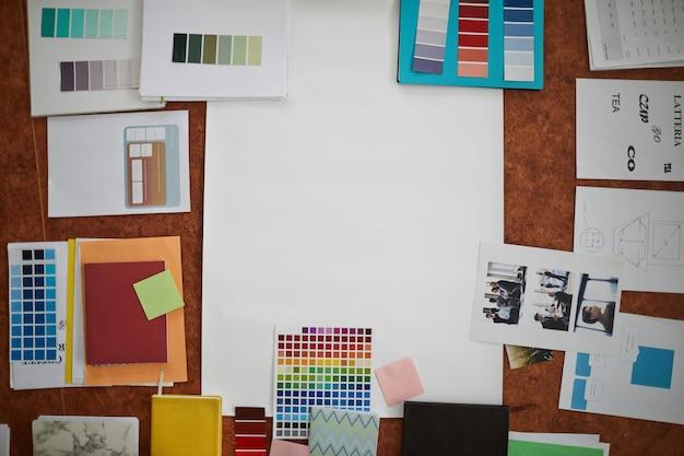 Kreatywne miejsce pracy i materiały