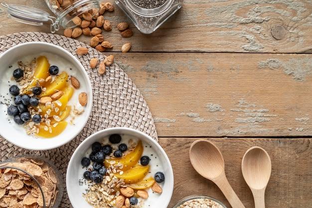 Kreatywny asortyment pysznych dań śniadaniowych