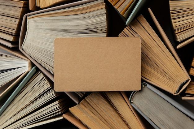 Kreatywny asortyment z różnymi książkami