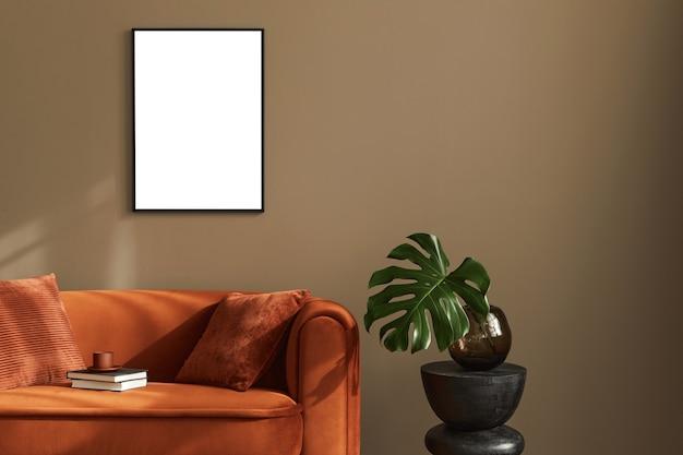 Kreatywny nowoczesny luksusowy wystrój wnętrza salonu z ramą stylowa sofa kwiatowa w wazonie i eleganckimi dodatkami beżowa ściana minimalistyczna koncepcja