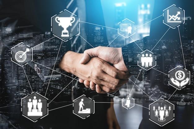 Kreatywnych ludzi biznesu osiągnięcia i koncepcja sukcesu celu biznesowego