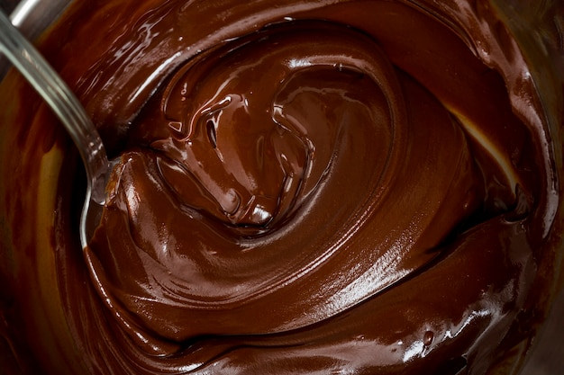 Krem czekoladowy i łyżka