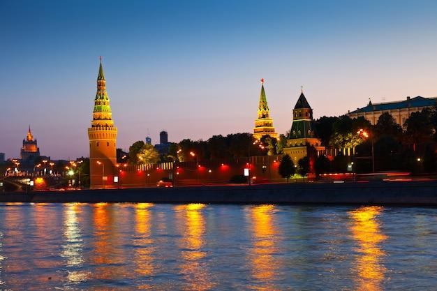 Kreml moskiewski w nocy