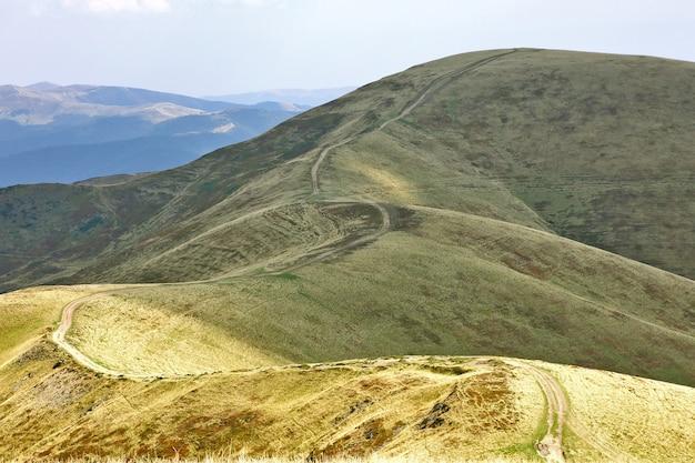 Kręta droga w górach