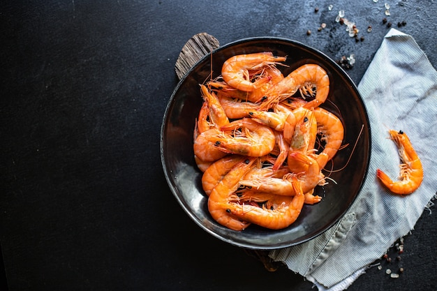 Krewetki gotowane owoce morza krewetki gotowe do spożycia porcja
