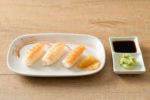 Krewetki sushi lub ebi nigiri sushi - po japońsku?
