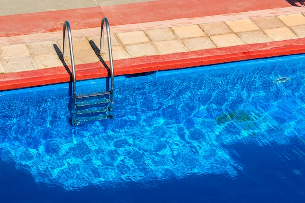 Kroki do basenu