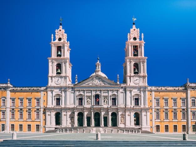 Królewski klasztor mafra, portugalia