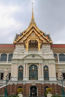 Królewski uroczysty pałac punkt zwrotny w bangkok przy thailand