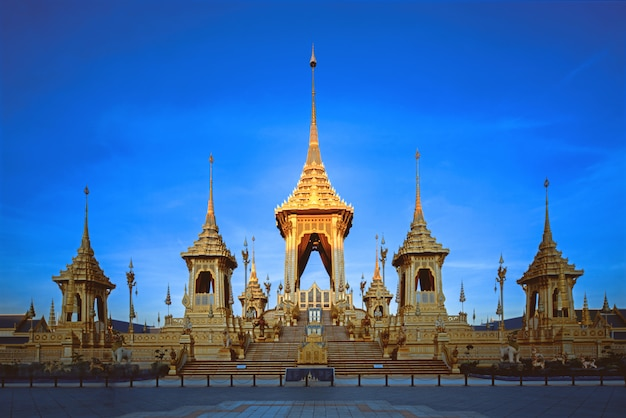 Królewskie krematorium królewski rama ix pomnik królewski