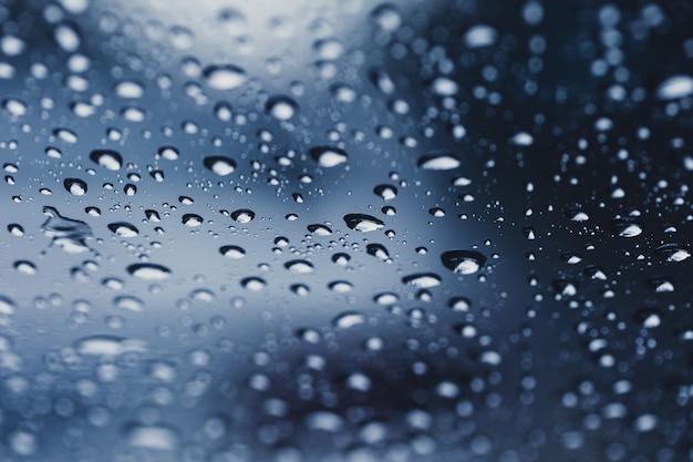Kropla deszczu krople wody w tle pory deszczowej