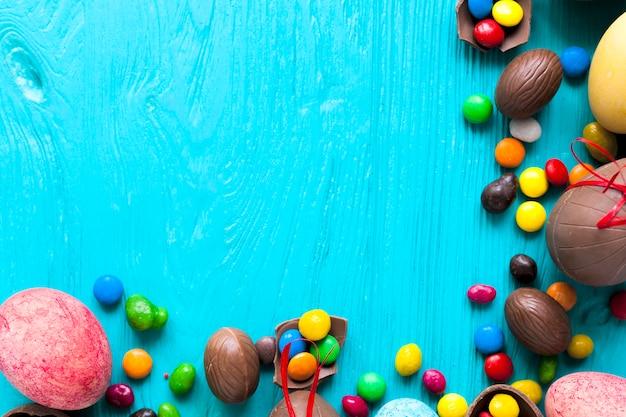 Krople cukierków i jaj