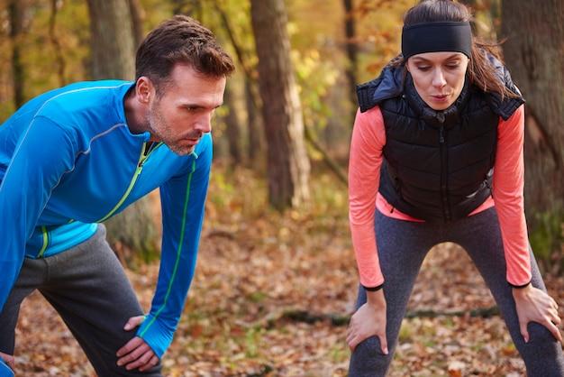 Krótka przerwa podczas biegania