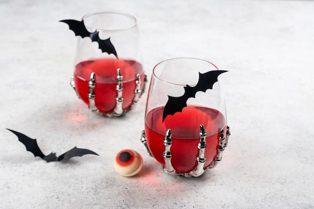 Krwawy koktajl na halloween