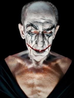 Krwawy motyw halloween: szalona twarz maniaka