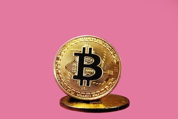 Kryptowaluta bitcoin złote tło monety