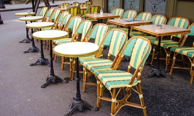 Krzesła restauracyjne w paryżu