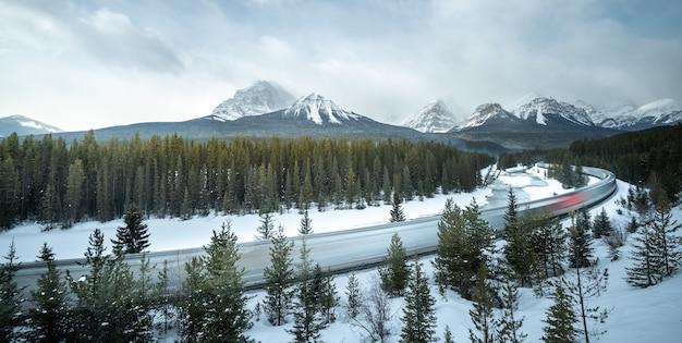 Krzywa moranta park narodowy banff, alberta, kanada