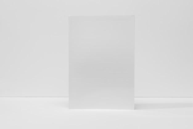 Książka z widokiem z przodu z cieniami