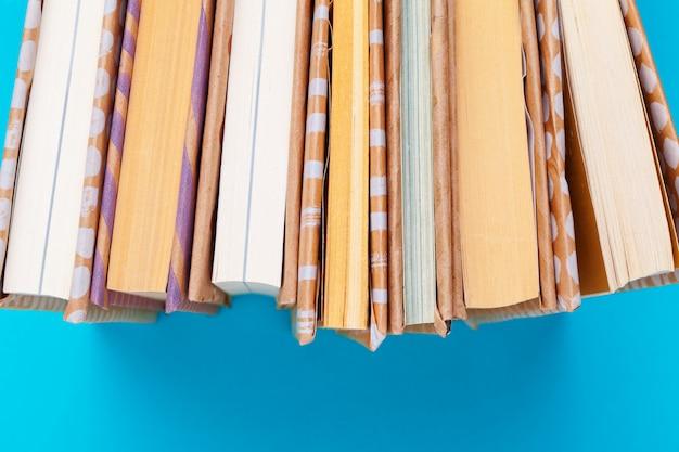 Książki na niebiesko