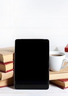 Książki z tabletem