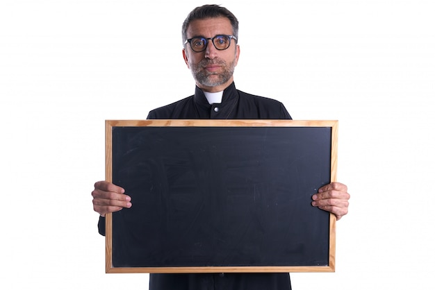 Księdza mienia blackboard pustego miejsca kopii przestrzeń