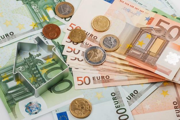 Kształt domu i pieniędzy