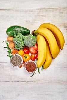 Kształt serca zdrowia żywności dla serca.