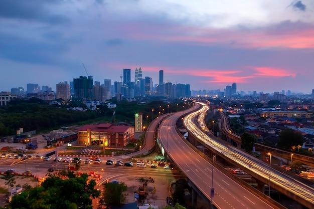 Kuala lumpur malezja, marzec, - 12: klcc wysocy budynki w świecie są mark landon kuala lumpur, malezja.