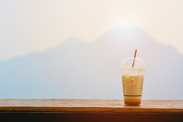 Kubek mrożonej kawy.