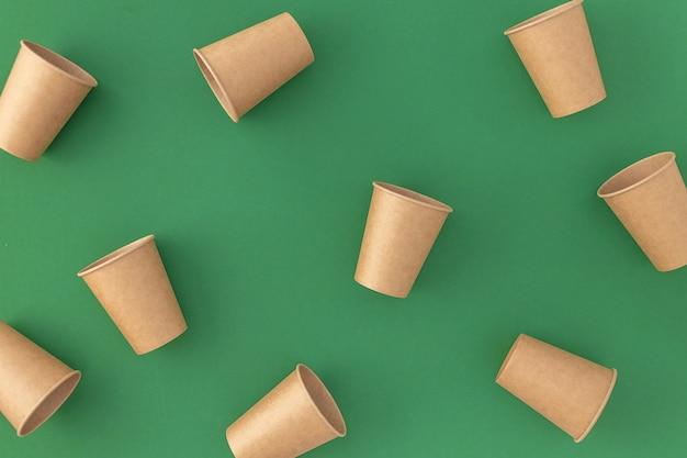 Kubki jednorazowe papierowe na zielono