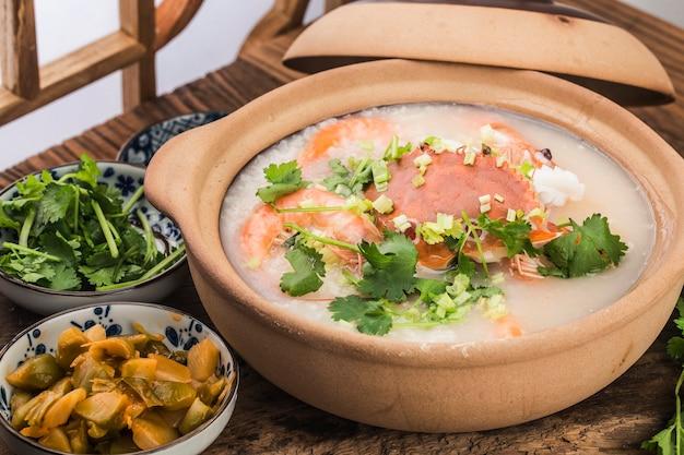 Kuchnia chińska: zapiekanka z owocami morza owsianka z owoców morza