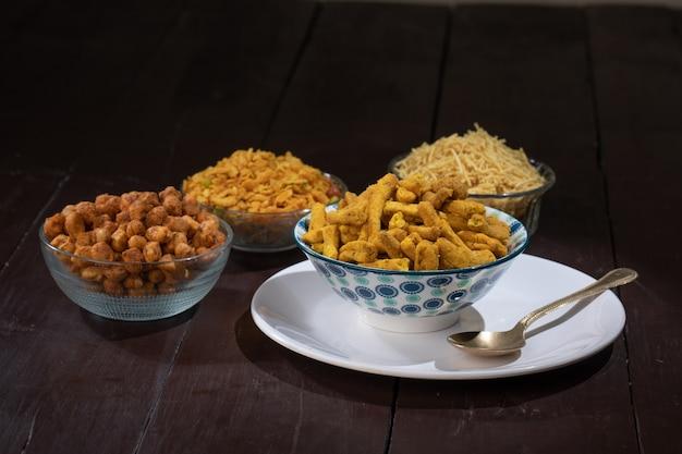 Kuchnia indyjska masala gathiya snack food